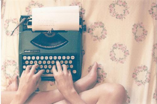 floral-pattern-piano-typewriter-vintage-writing-machine-Favim.com-79331_large